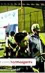 التماس یک کودک برای تعویض چمن مصنوعی محله ای